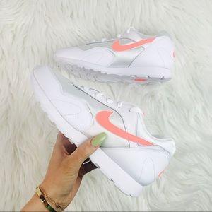 Nike Outburst OG W NWT